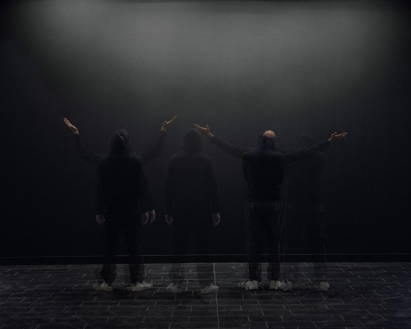 © Richard Petit - Border Line - danseurs musée